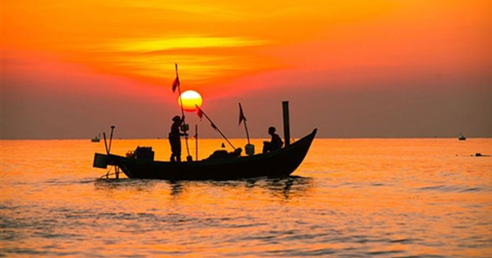 Soạn bài Chiếc thuyền ngoài xa (Nguyễn Minh Châu)
